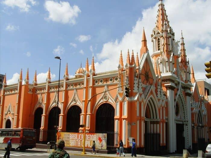 Базилика Санта-Капилла